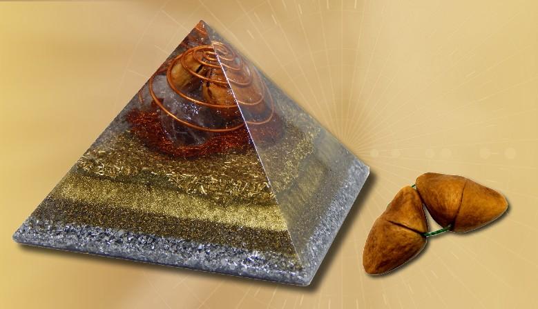 Pirâmide com semente de Aguaí – YinYang